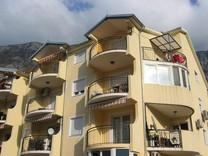 Квартира с видом на море в Доброте