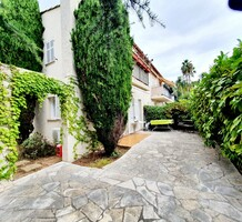 Квартира-студия с большой террасой и садом на Кап-Ферра, продажа. №42245. ЭстейтСервис.